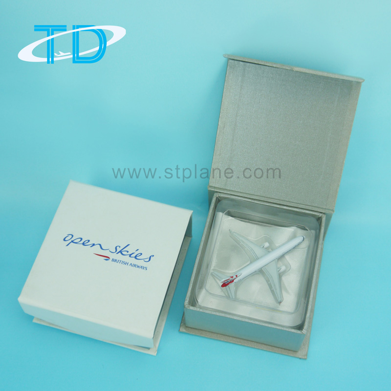 Gift box with pvc inner