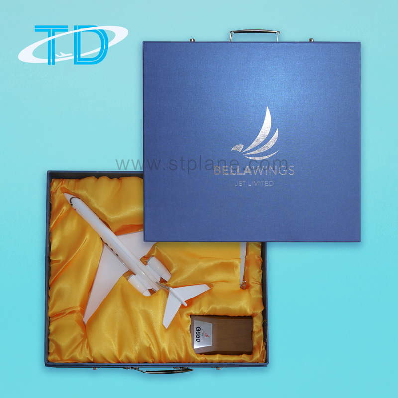 Gift box with foam & silk inner